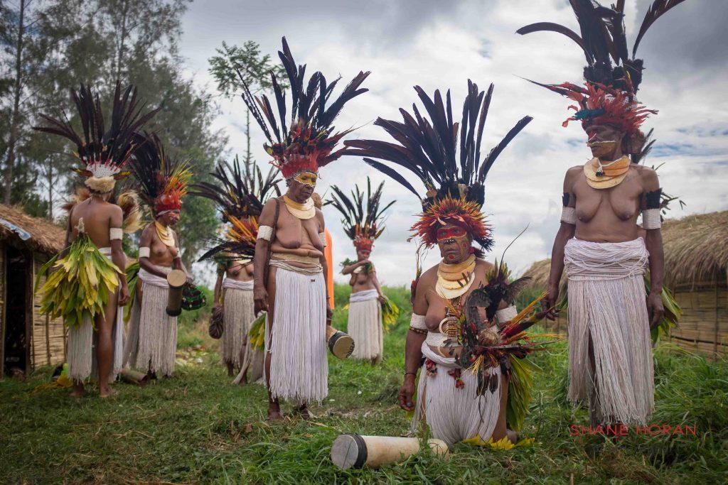 Woman tribe, Papua New Guinea